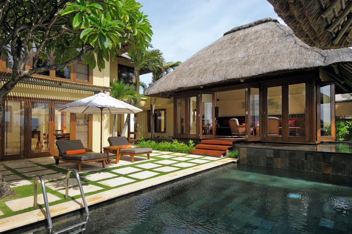 Роскошный курорт Constance Belle Mare Plage находится в Бель-Мар, Маврикии. Отель располагается на 2