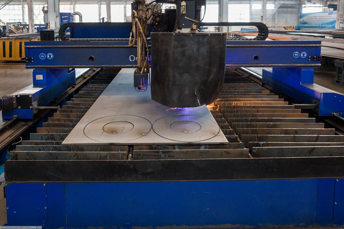 Может резать низкоуглеродистые стали, высоколегированные сплавы, цветные металлы и титан.