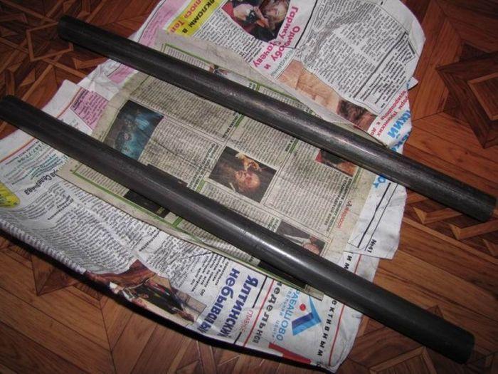 Для изготовления самодельных гантель из бетона нам понадобятся: два куска трубы примерно 30см, неско