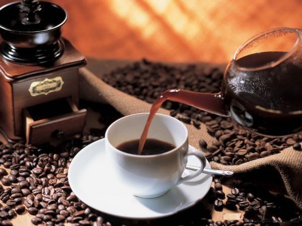 Вино. Здесь, как и с кофе, главное – умеренность. Сразу несколько исследований доказали