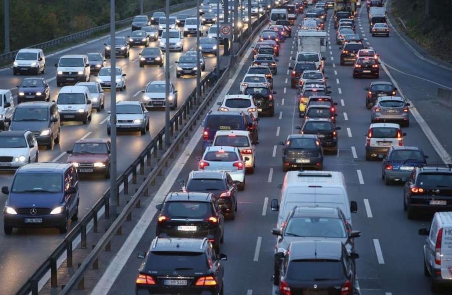 6. В Германии водители должны следить за тем, чтобы у них случайно не закончился бензин во время дви