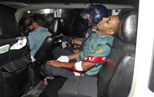 Несколько заложников погибли при штурме кафе вДакке
