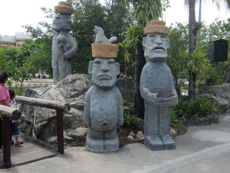 Тайский Диснейленд - Истуканы