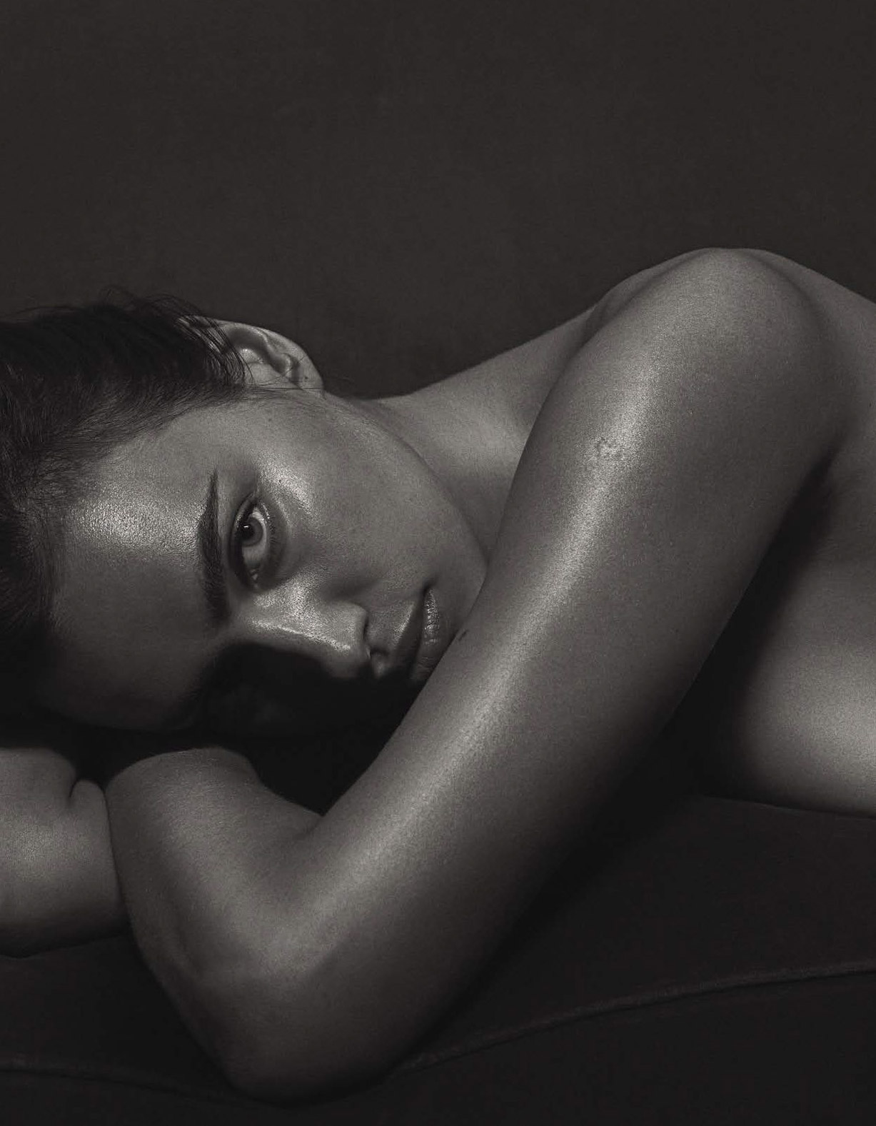 обнаженная Ирина Шейк / Irina Shayk nude by Mario Sorrenti - GQ Italia september 2016