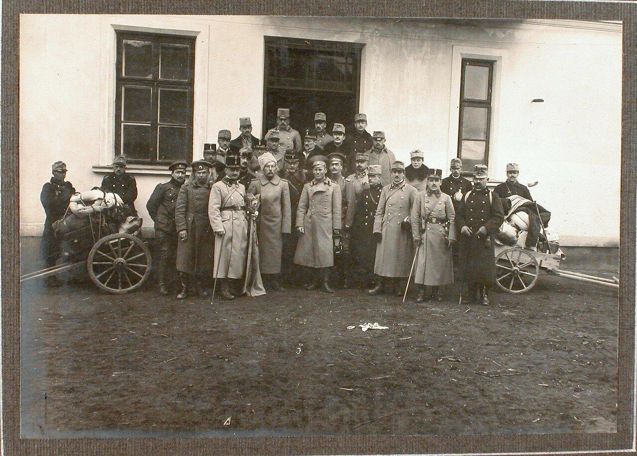49. Группа пленных офицеров