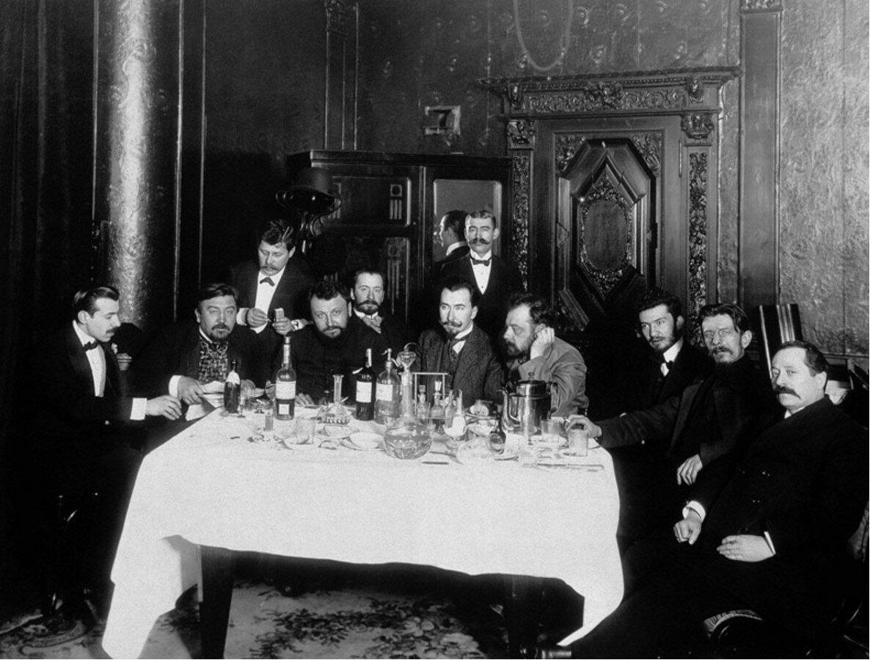 1910-е. Писатель Александр Куприн с друзьями в ресторане