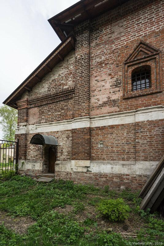 Храм Воскресения Словущего на Крутицах (Крестовая палата).