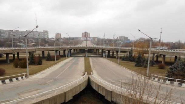 """""""Те, кто действительно хотел перемен, выехали вон из """"ЛНВ"""", а мы вынуждены жить в этом и получать все """"бонусы"""" сполна"""" - письмо из Луганска"""