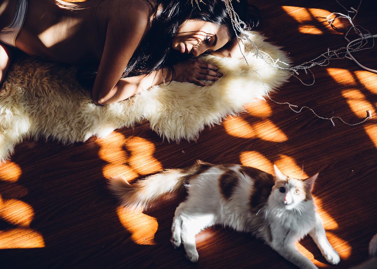 Котики и девушки