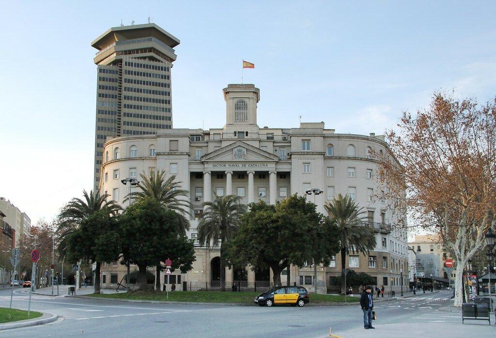 Барселона. Площадь Портал-де-ла-Пау (Plaça del Portal de la Pau)