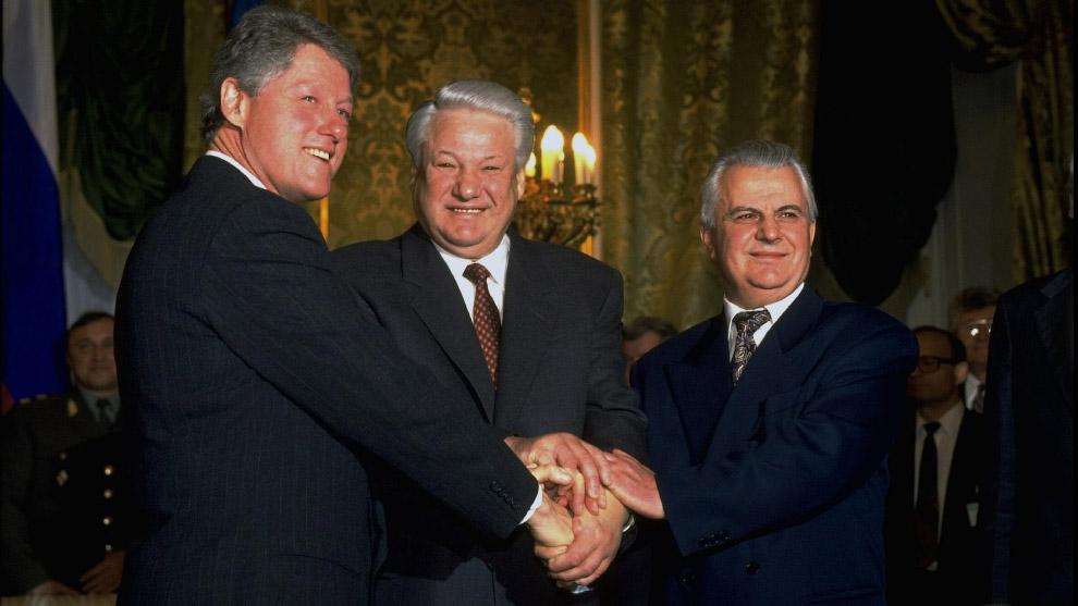 3. Если с Украиной в 1994-м продолжали оформлять «цивилизованный развод», то с Белоруссией уже