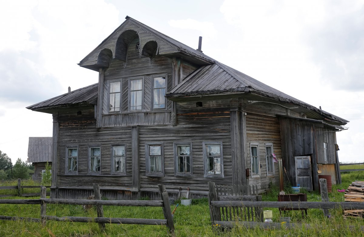 Еще одна жительница деревни Черевково — Нина Васильевна — уже 64 года живет в другом доме Гусевых. О