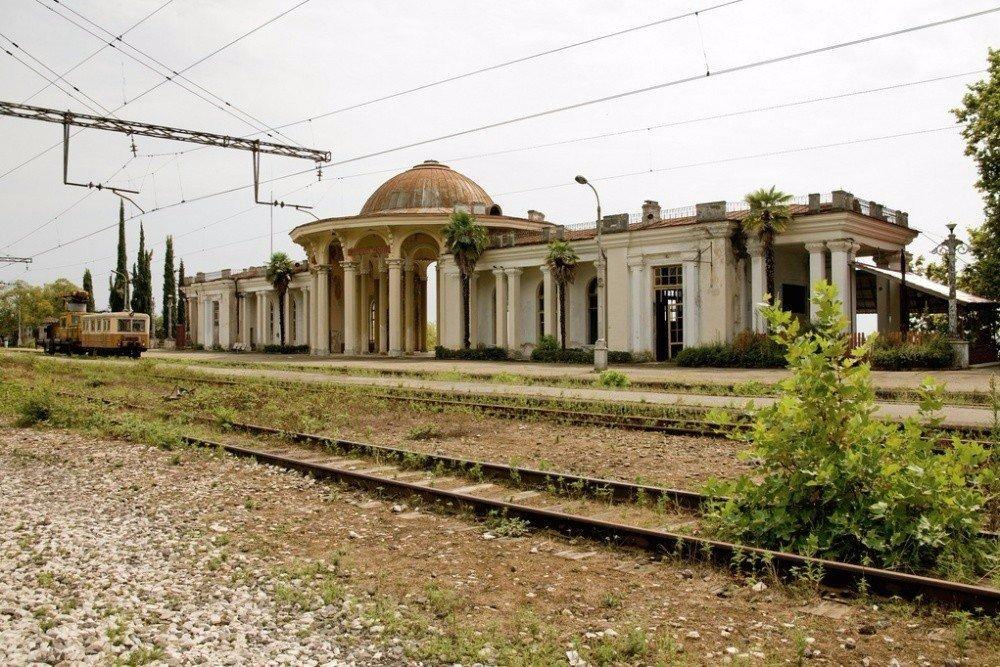 Самая красивая заброшенная железнодорожная станция в мире, Келасур, Абхазия