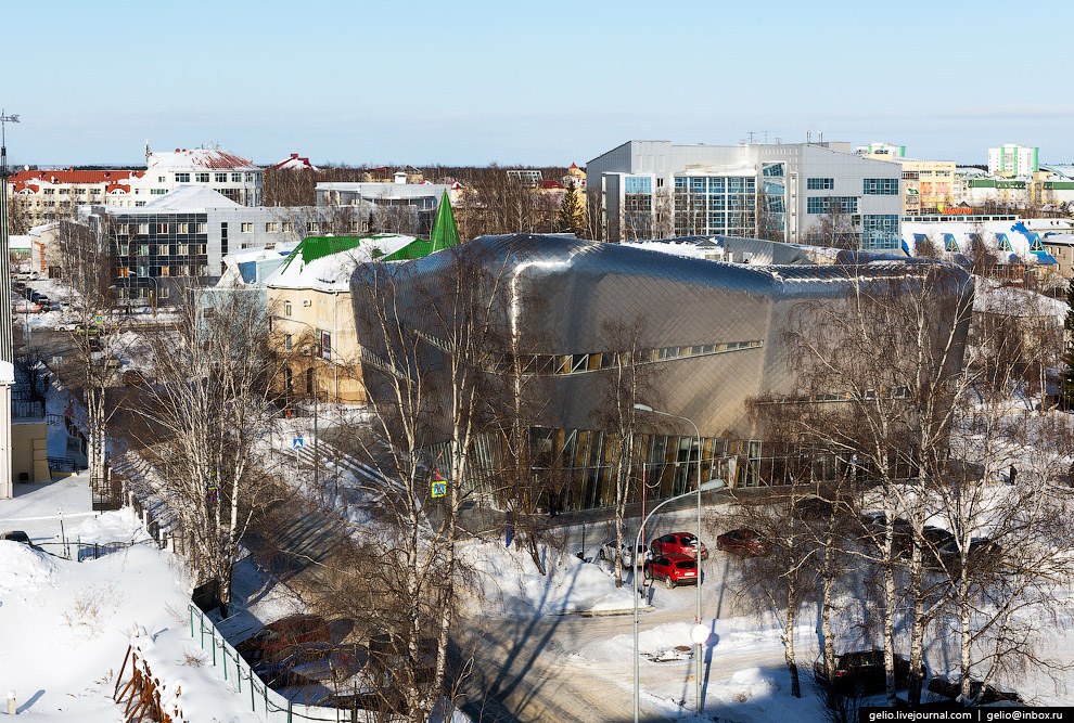 21. Академия была построена в 2010 году по проекту голландского архитектора. В 2020 году здесь