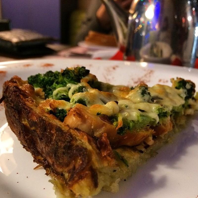 Французский киш Эрик: ОК, вот это, пожалуй, единственное блюдо здесь, которое я бы попробовал. Я уж