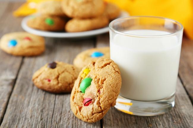 Ингредиенты: мука— 300г сода— 1/2ч.л. сливочное масло— 150г сахар— 250г яйца— 2шт. цветны