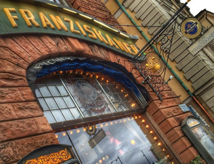 Ресторан Zum Franziskaner был открыт в 1421 году в Стокгольме.