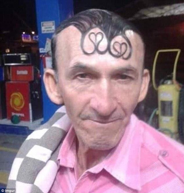 История умалчивает, зачем этому мужчине сердечки из волос на голове. Может быть, он искренне считает