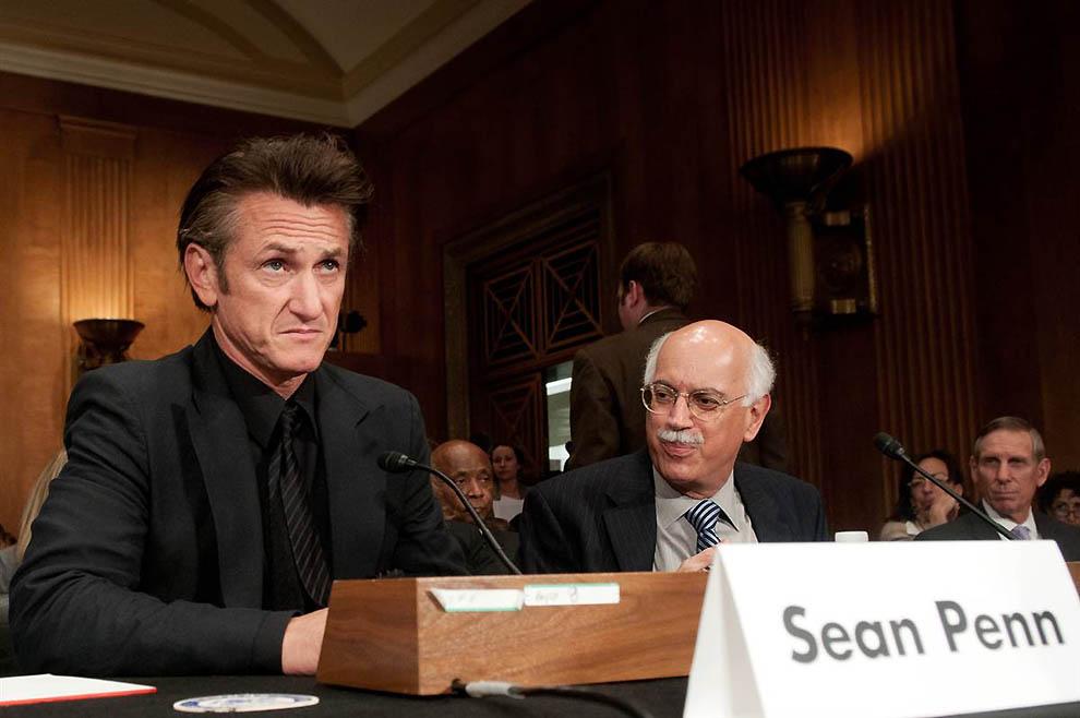 3. Темой выступления Пенна на заседании комитета Сената США по международным отношениям в мае 2010 с
