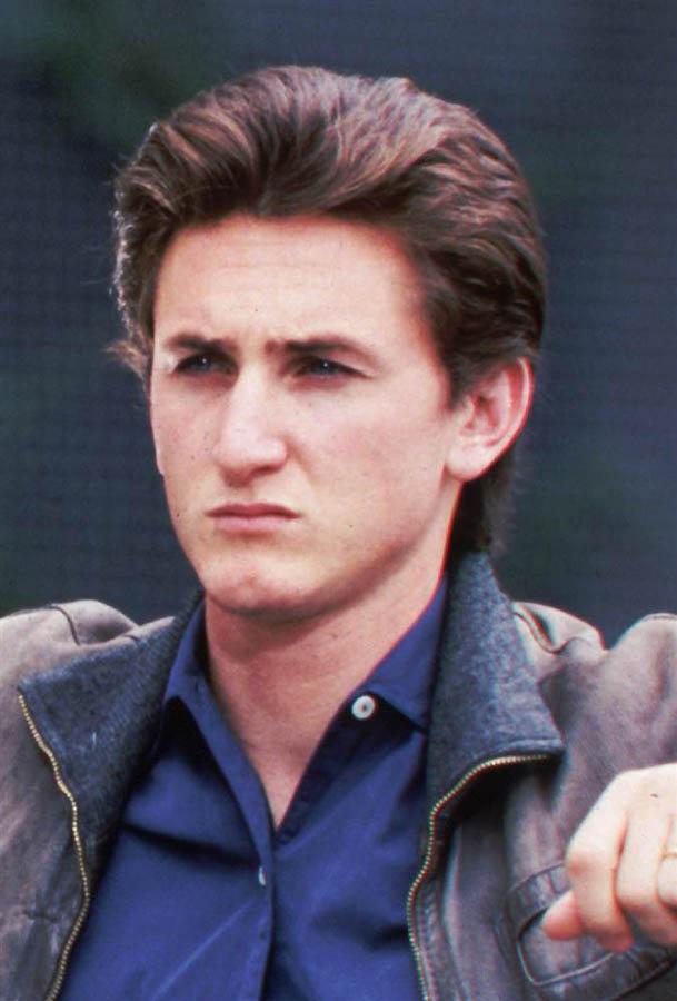 22. Есть мнение, что в восьмидесятых годах Пенн принадлежал к актерской группе Brat Pack.