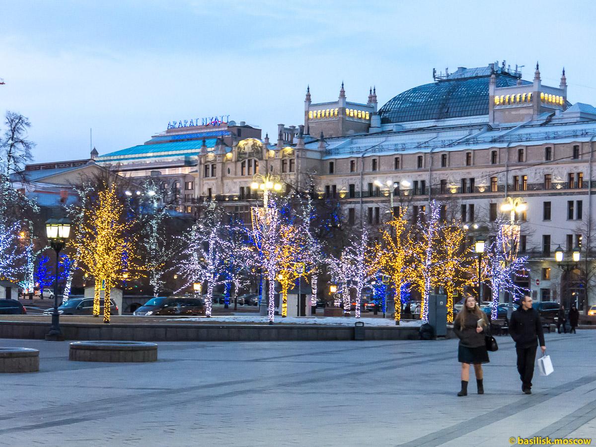 Москва. Театральная площадь. Гостиница Метрополь. Март 2016