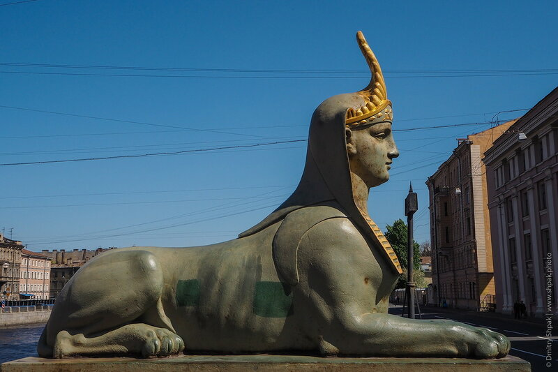 Сфинкс у Египетского моста