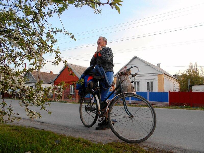 Утром, подготовка к велопробегу ... DSCN5045.JPG