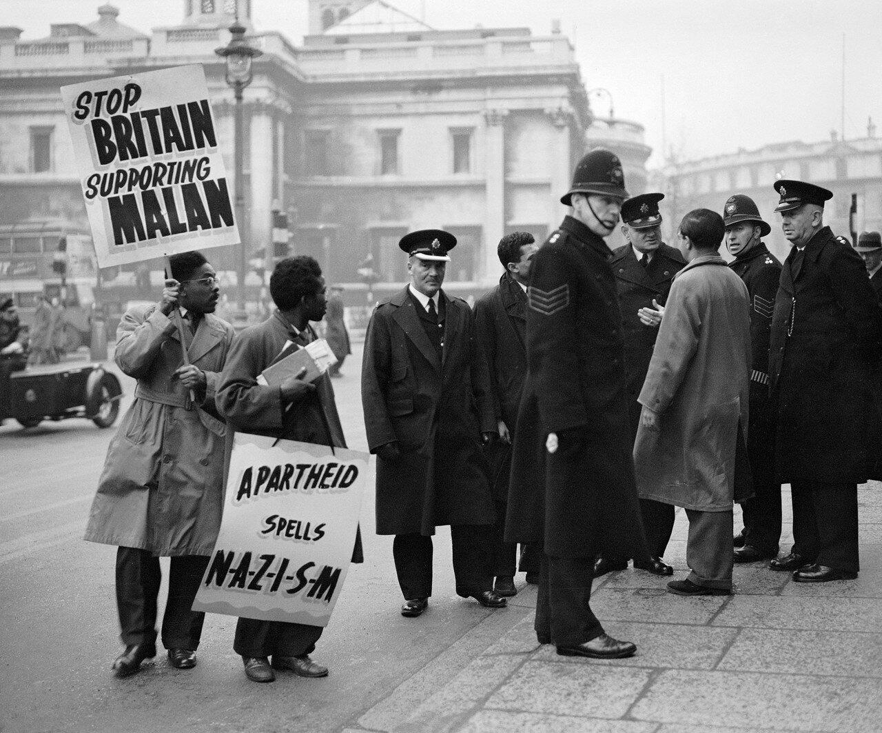 1951. 19 января. Еще одна демонстрация на Трафальгарской площади против апартеида