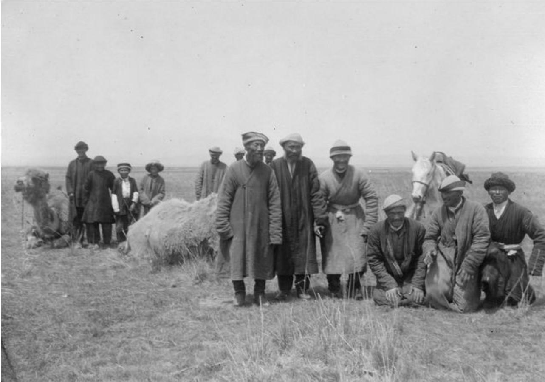 Киргизы различных возрастов