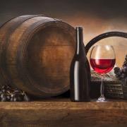 Бутылка вина и бочка
