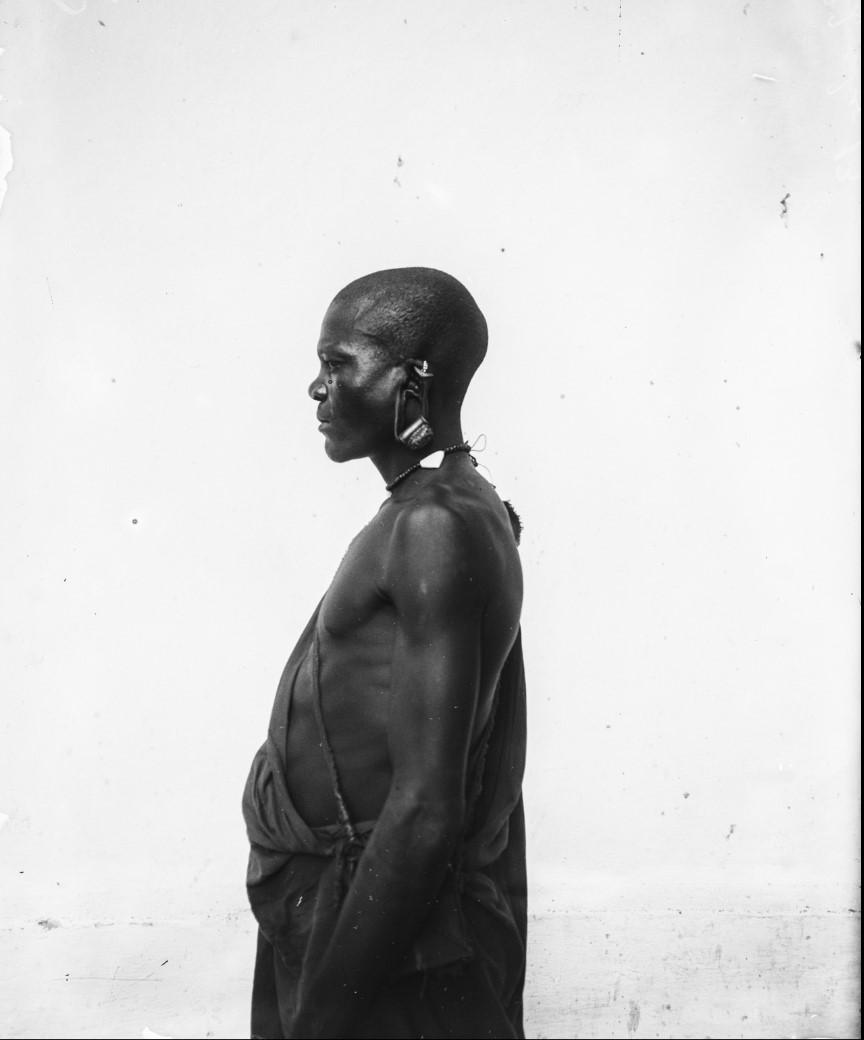 12. Антропометрическое изображение мужчины гого