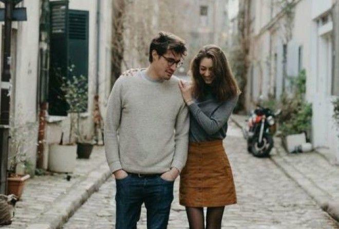Самое глупое поведение женщины с мужчиной (2 фото)