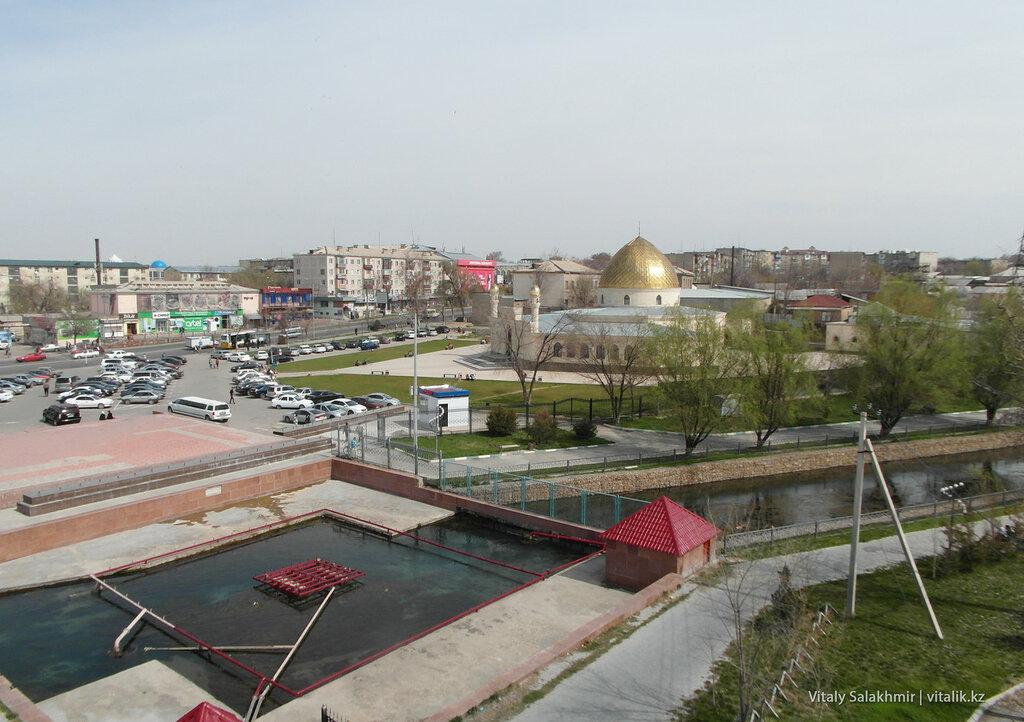Центральный верхний рынок Шымкента сверху