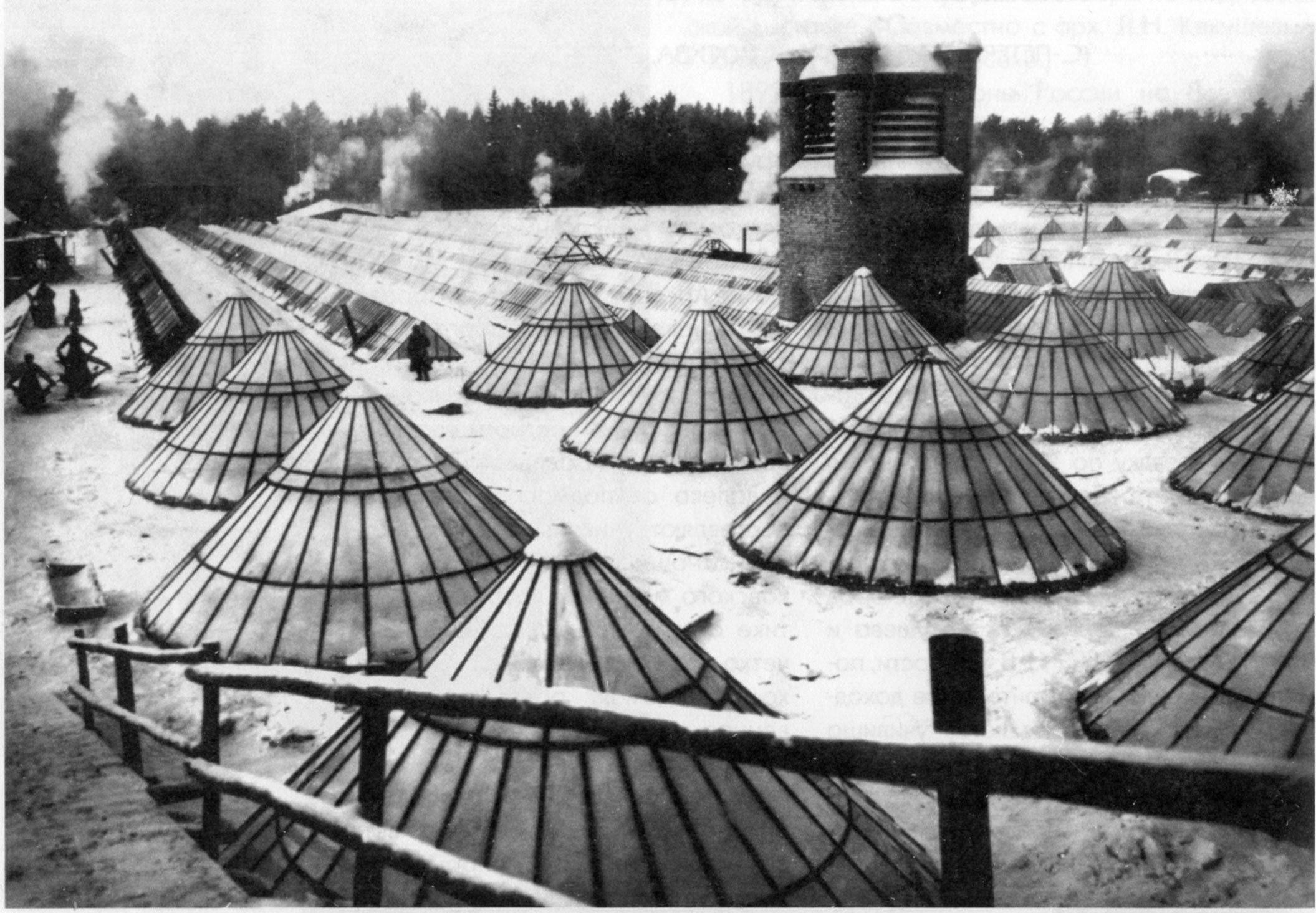 Монтаж кровли Новоткацкой фабрики Богородско-Глуховской мануфактуры. 1907