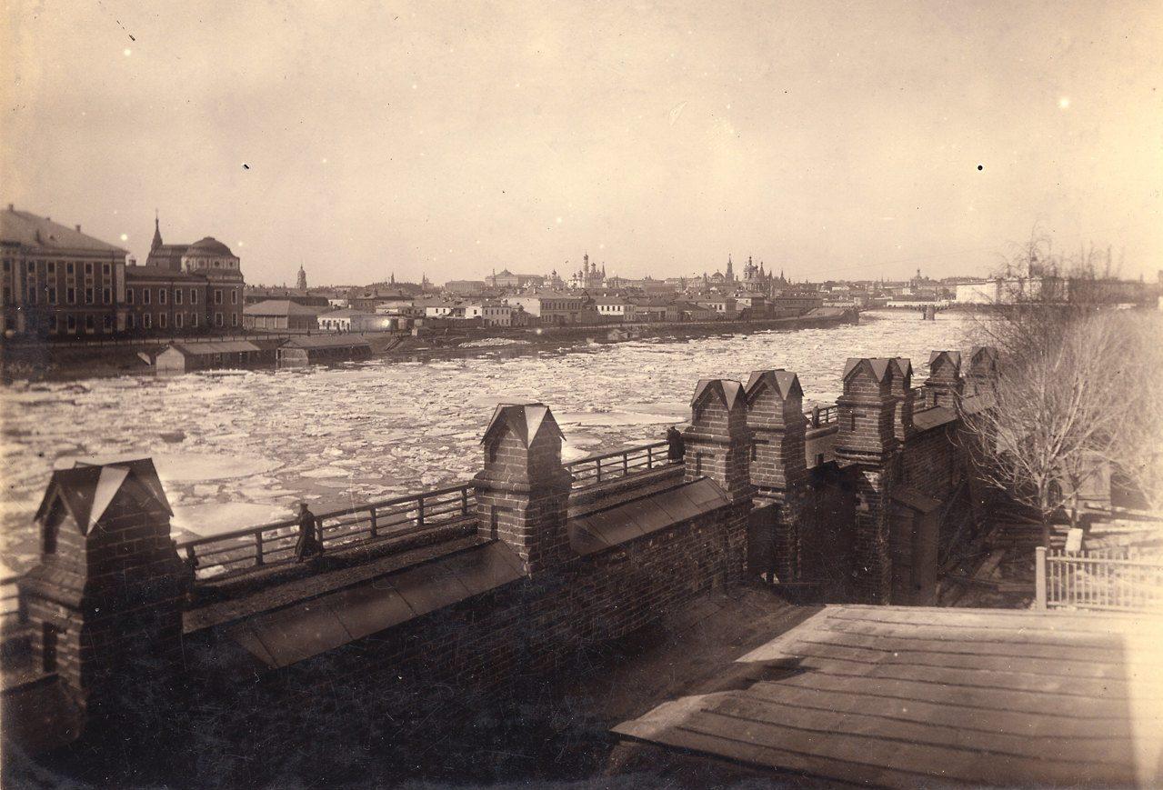 Ледоход на Москве-реке в апреле 1893 года