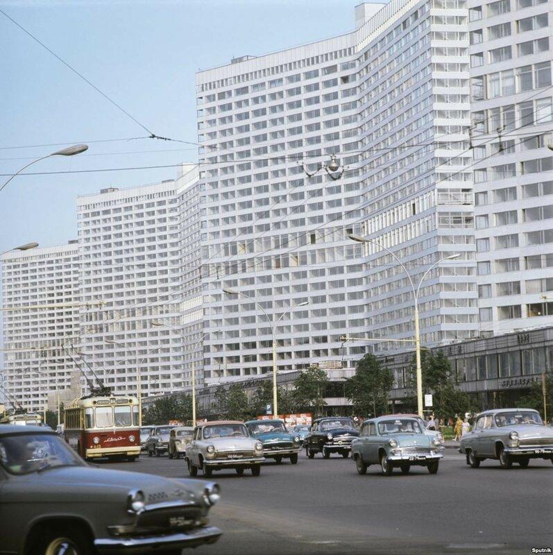 1973 Kalinin Avenue in Moscow.jpg