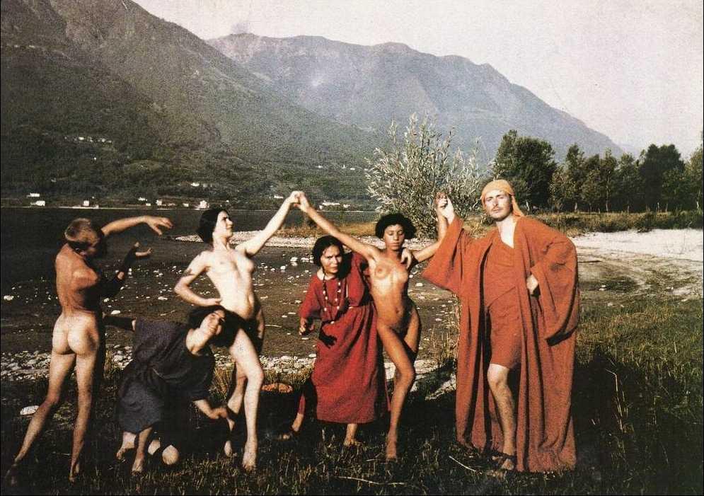 Rudolf von Laban et sa troupe in Ascona, 1914.jpg