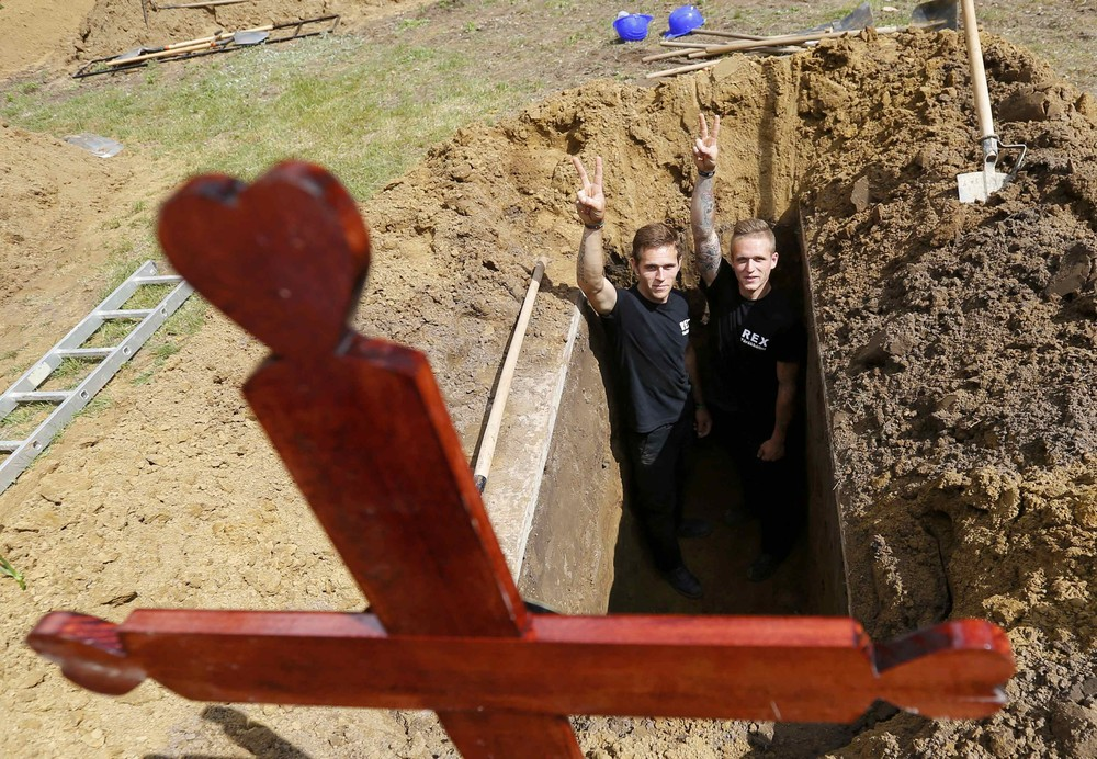Конкурс могильщиков в Венгрии