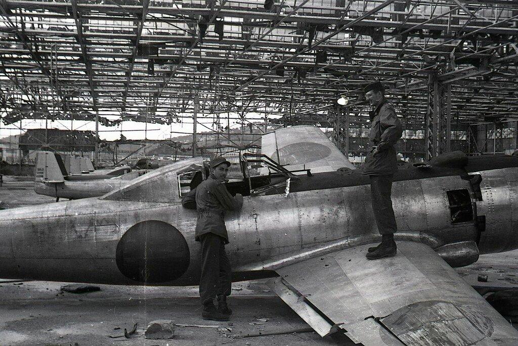 Ki-115 Tsurugi (kamikaze plane)