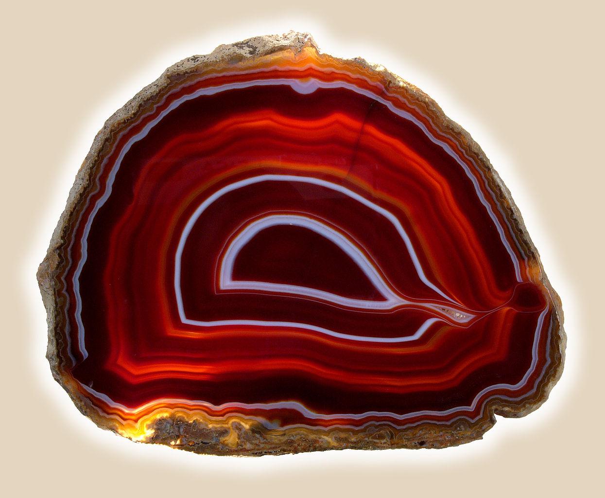 Чудодейственный камень сардоникс и его магические свойства (1 фото)