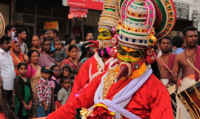 Кровавый праздник Гарудан Тхуккам. Керала Все любят