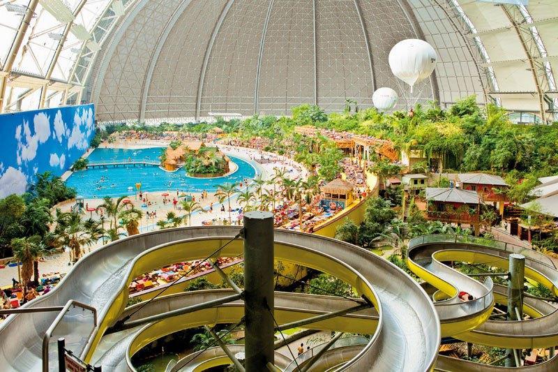 10.Площадь, которую занимает бассейн «Тропическое море» в три раза больше чем та, которую занимает