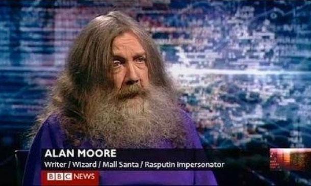 Алан Мур, писатель / волшебник / магазинный Санта / имитатор Распутина.