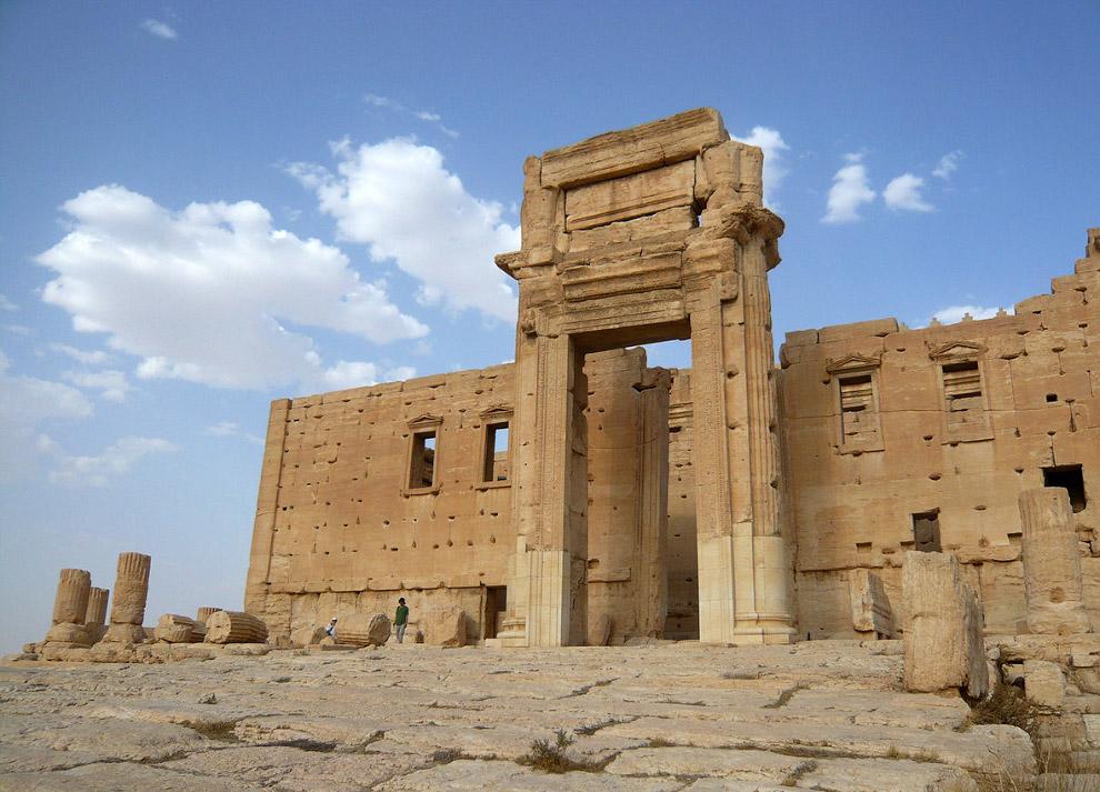 Триумфальная арка была построена во время императора Септимия Севера в конце II века в честь по
