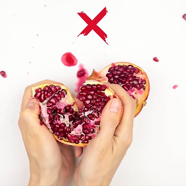 Вот как чистят фрукты люди, которым нетерпится ихсъесть