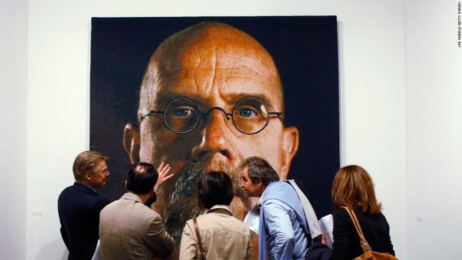 17. Этот автопортрет создан художником Чаком Клоуз еще в 1967 году, когда теоретики искусства были у