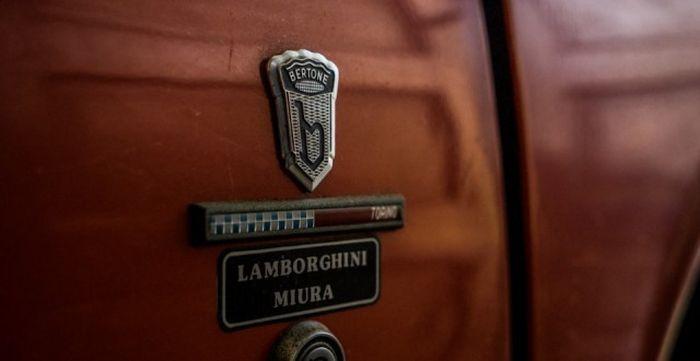 Итальянский спорткар Lamborghini простоял 28 лет в гараже