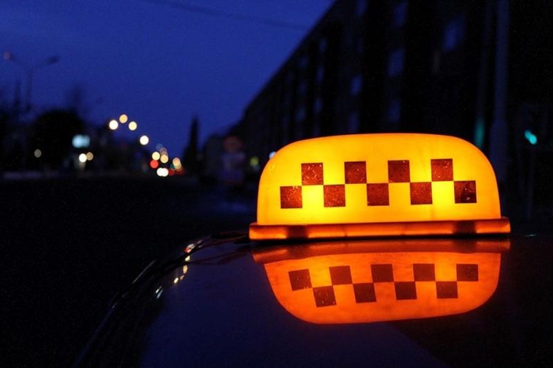Гражданин Волжского схвачен заограбление таксиста