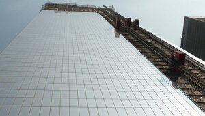 Операция по спасению рабочих с 69 этажа небоскреба