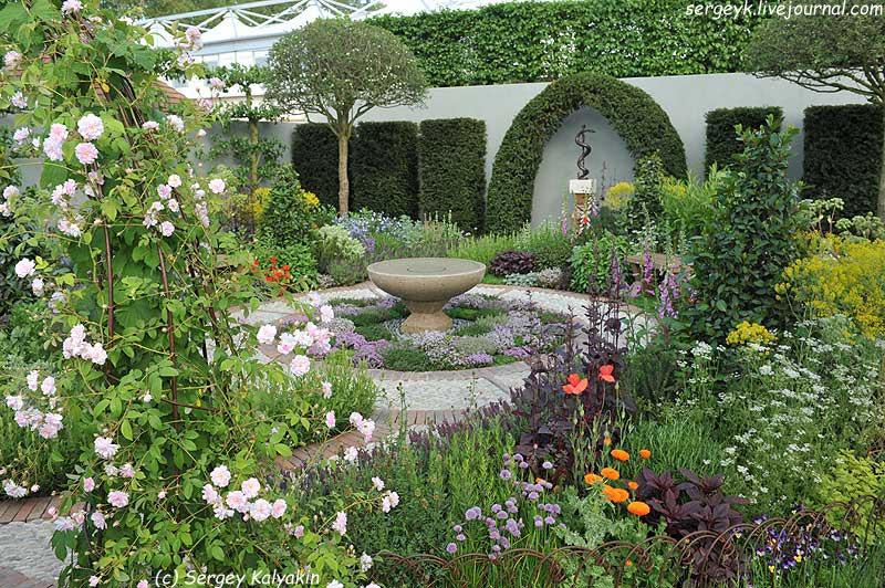 A modern Apothecary Garden (26).jpg